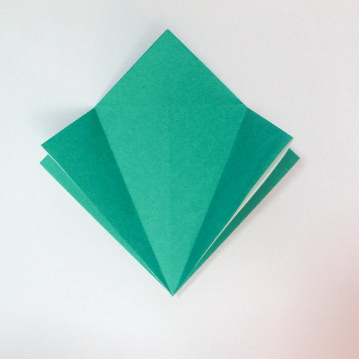 สอนวิธีการพับกระดาษเป็นรูปปลาฉลาม (Origami Shark) 009