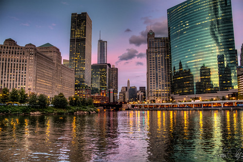 chicago water canon buildings river dawn spring downtown cityscape riverscape