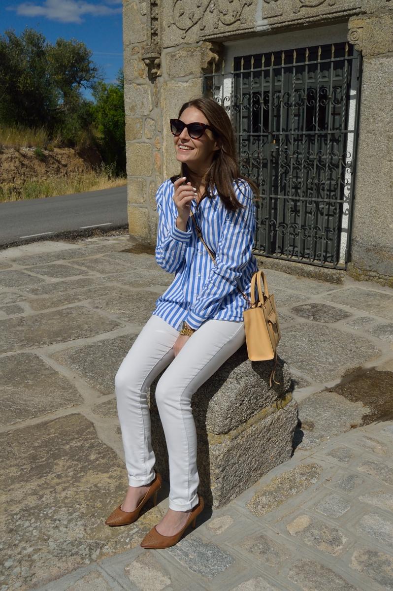 lara-vazquez-madlula-blog-style-streetstyle-fashion-look-white-blue