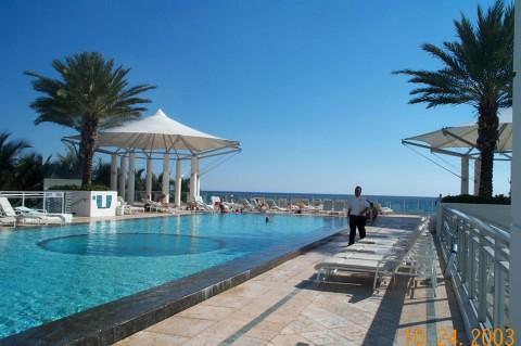 Westin Diplomat Hotels Infinity Pool