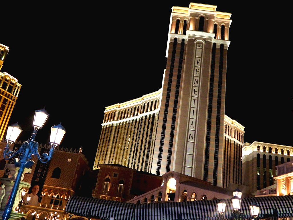 Venetian Hotel and Casino Review, Las Vegas.