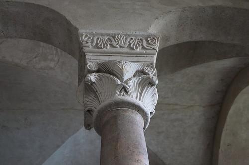 Obergeschoss, Kapitell der