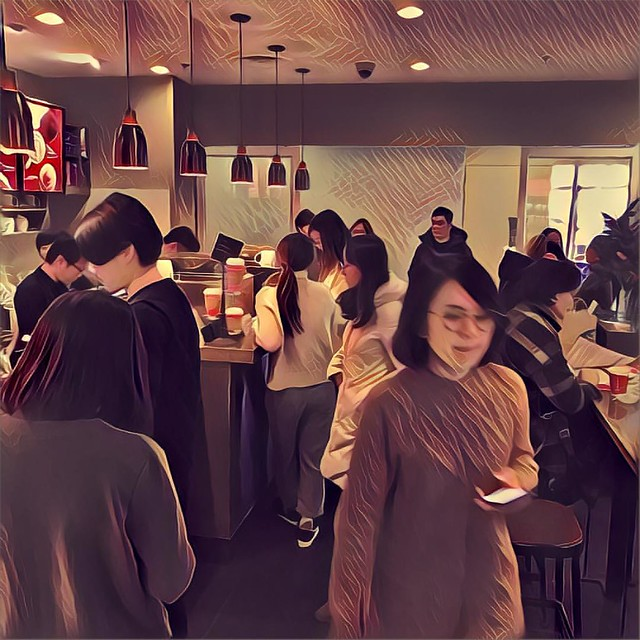 Had a cup of coffee in the afternoon and so did many people. 沒想到這麼多人也在下午這時間來杯咖啡 #WanderInBeijing #365days2016 #365project