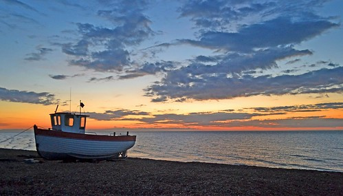 Pre-sunrise colours at Dungeness