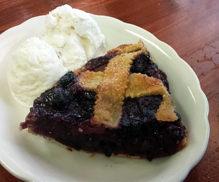 Tripleberry Pie