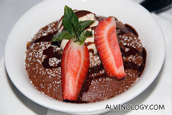 Hot Chocolate Pudding (S$14) - Soft fudge chocolate