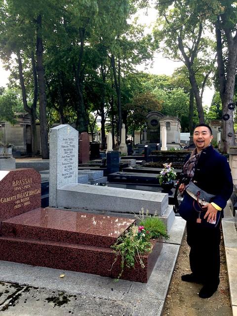 いちばん探すのに手間取ったブラッサイ先生の墓前。