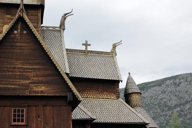 Lom stavkyrka