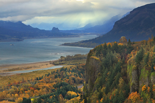 autumn storm colors clouds river point columbia crown gorge chanticleer