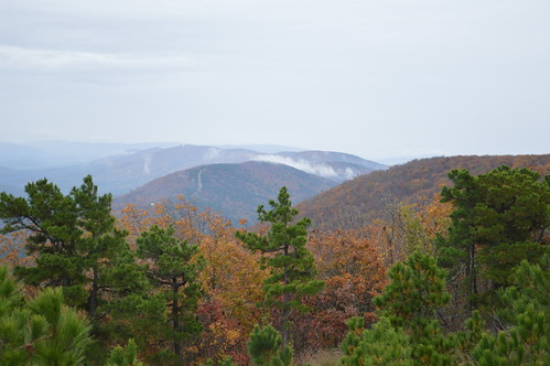 talimenadrive talimenanationalscenicbyway oklahoma southeastoklahoma ouachitamountains ouachitanationalforest fallcolors autumncolors mountains vista talimena