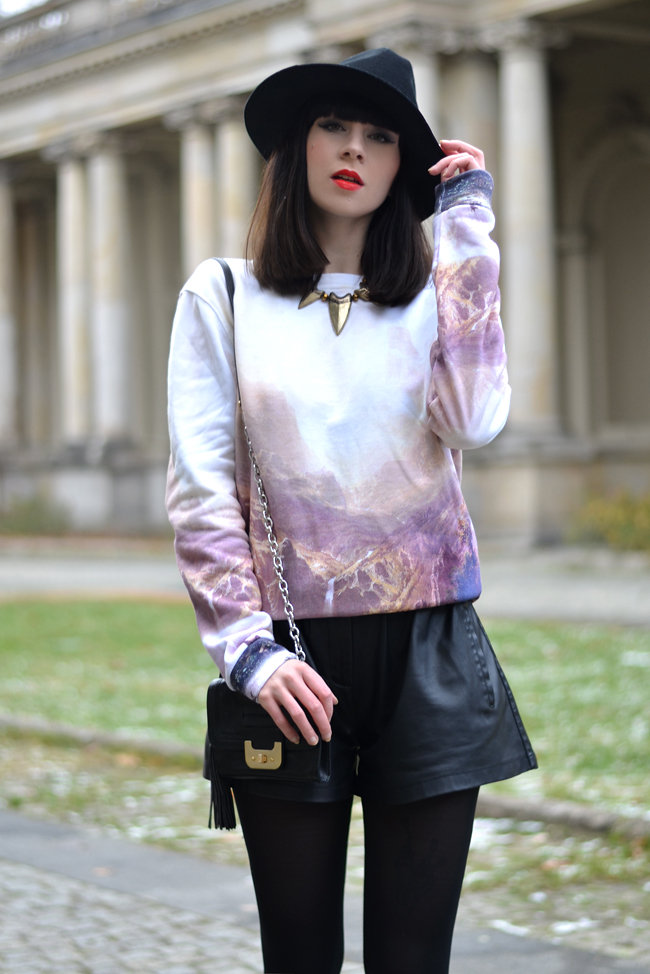 Breaking Rocks Blogger Outfit Landscape Sweatshirt CATS & DOGS Berlin blog 5