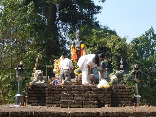TH-Kamphaeng Phet-Wat San Phra Isuan (2)