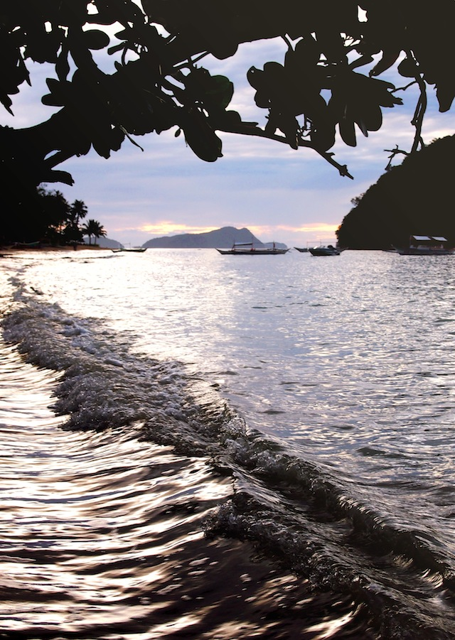 Corong-Corong beach El Nido sunset high tide