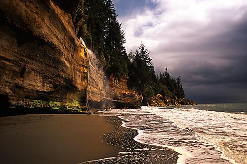 Mystic Falls, Mystic Beach, Juan de Fuca Provincial Park, Port Renfrew, British Columbia, Canada