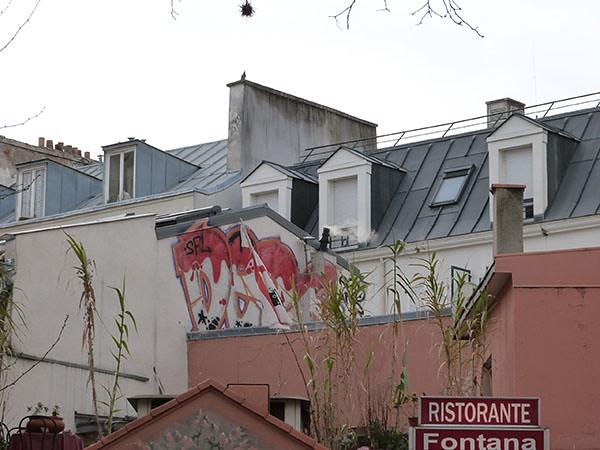 tag sur les toits