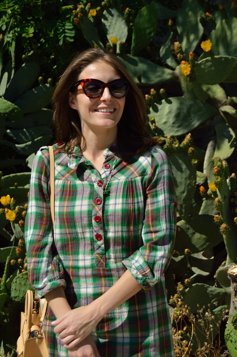 lara-vazquez-madlula-blog-style-fashion-green-look-happy-face