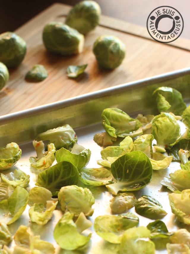 Sriracha Brussel Sprout Chips are like kale chips, but cuter!
