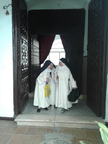 AionSur 14496255743_7ac325fc67_d Las Madres Dominicas de Arahal se despidieron de 4 siglos de historia Sociedad