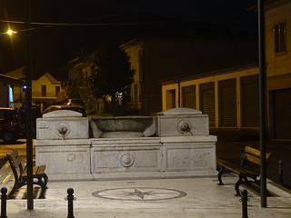 Fontana dei Merli.