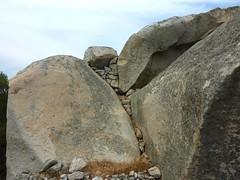 Tour du site du Castellu di Valle/Bacca : murets de protection au sommet