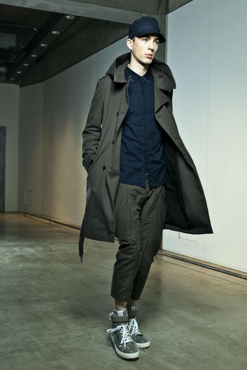 SS14 Tokyo KAZUYUKI KUMAGAI019_Milo Spijkers(Fashion Press)