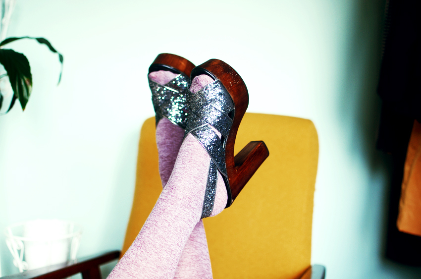 glitter-shoes a