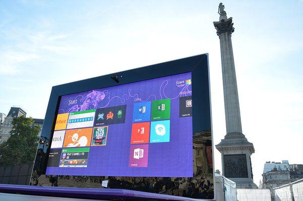 Surface 2 в Лондоне
