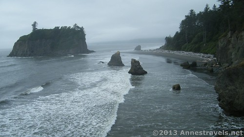 Looking down from the bluffs/viewing area above Ruby Beach, Olympic National Park, Washington