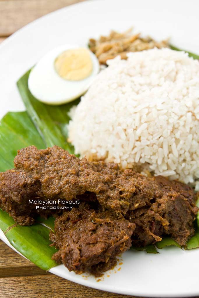 nasi-lemak-beef-rendang-heritage-village-publika