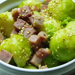 Sesame and ham sprouts