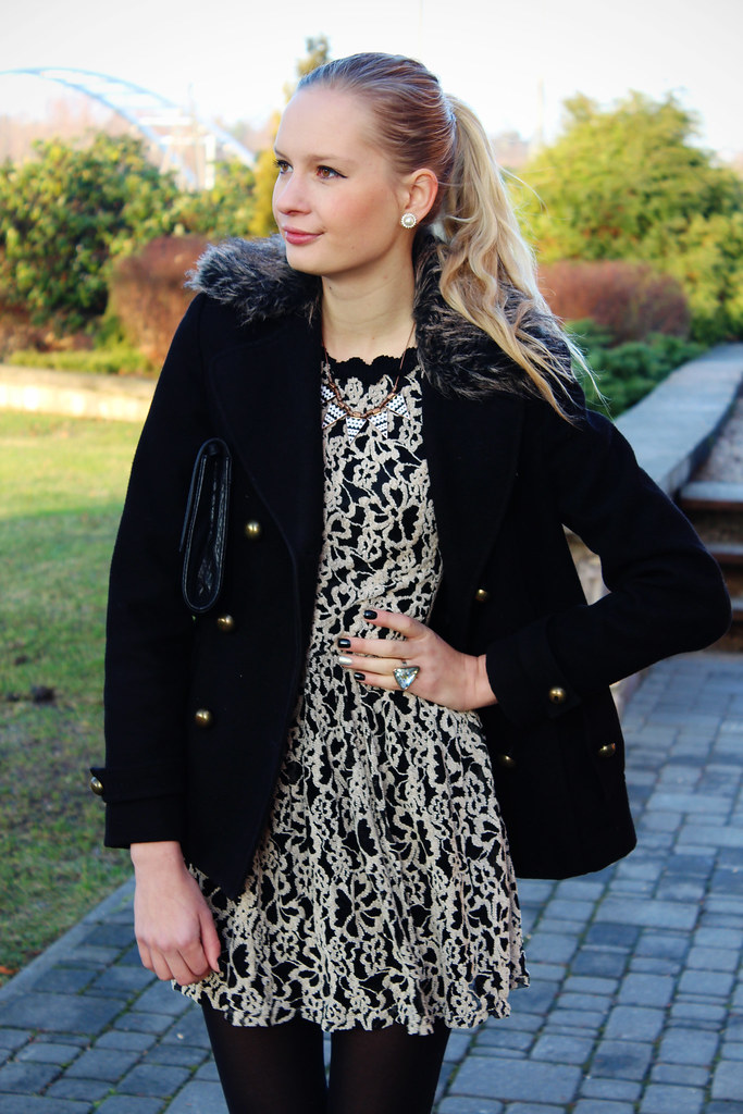 Newest outfit post on Call me Maddie: I am wearing my black double breasted Primark coat, baroque flower print dress from ebay, black H&M clutch and bow knot heels from Deichmann