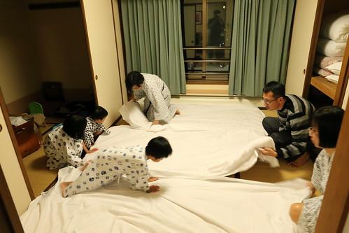 鋪床準備睡覺