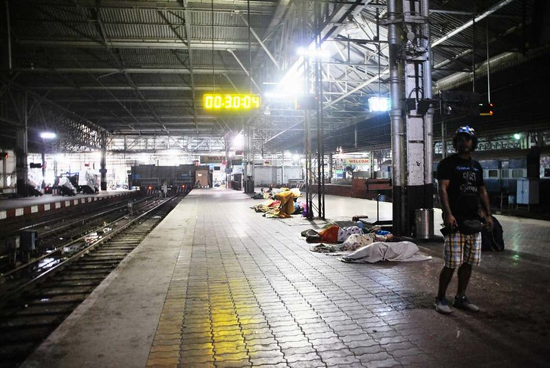 44 Estacion C.S.T. por la noche, Mumbai (109)