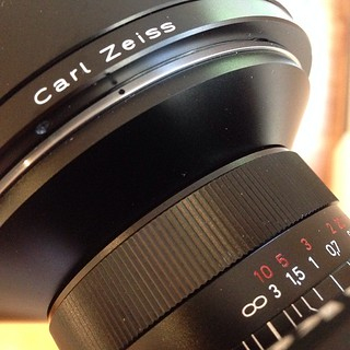 I f*cking love these new Zeiss lenses for Nikon digital. Amazing.