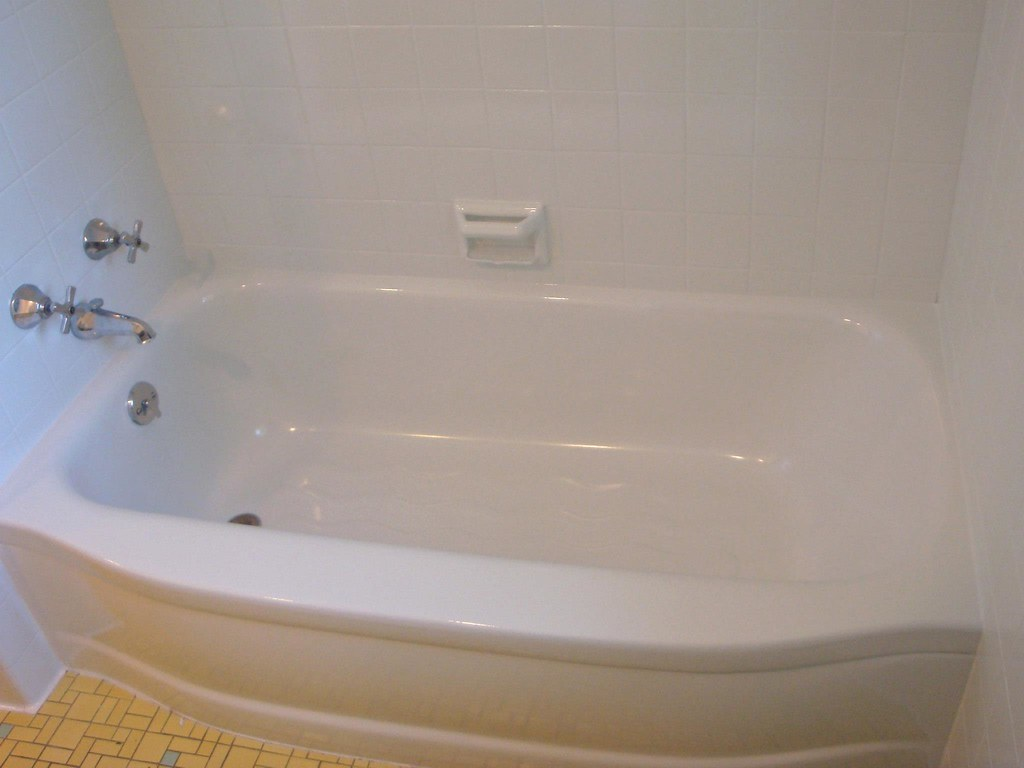 Fiberglass Bathtubs and Showers Refinishing, Resurfacing, Reglazing ...
