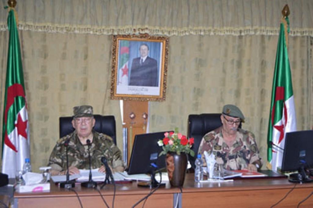 الجزائر : صلاحيات نائب وزير الدفاع الوطني - صفحة 4 30777507685_c5448c8874_o