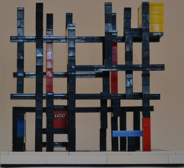 Mondrian's Cube: Right