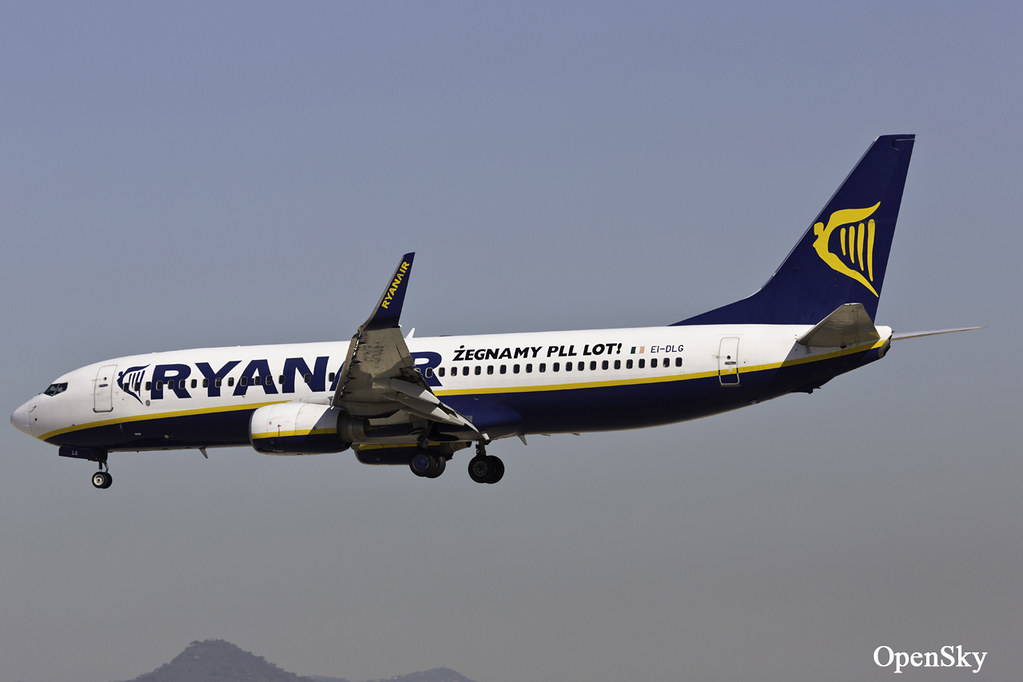 Ryanair Boeing 737-8AS(WL) EI-DLG