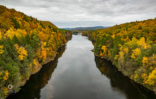 massachusetts newengland sethjdeweyphotography autumn river