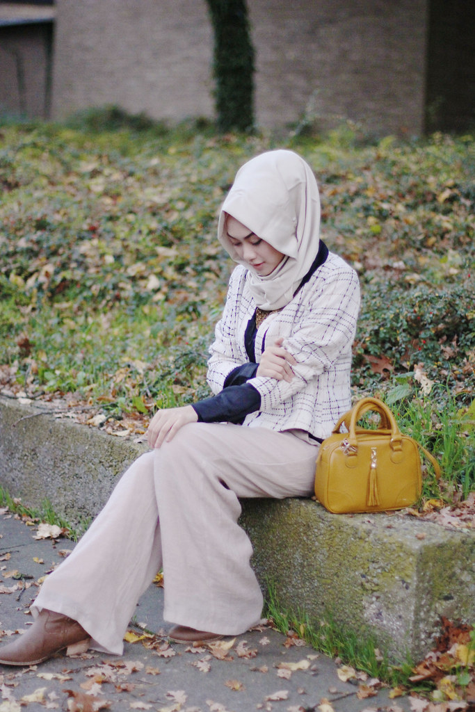 Image result for muslimah duduk