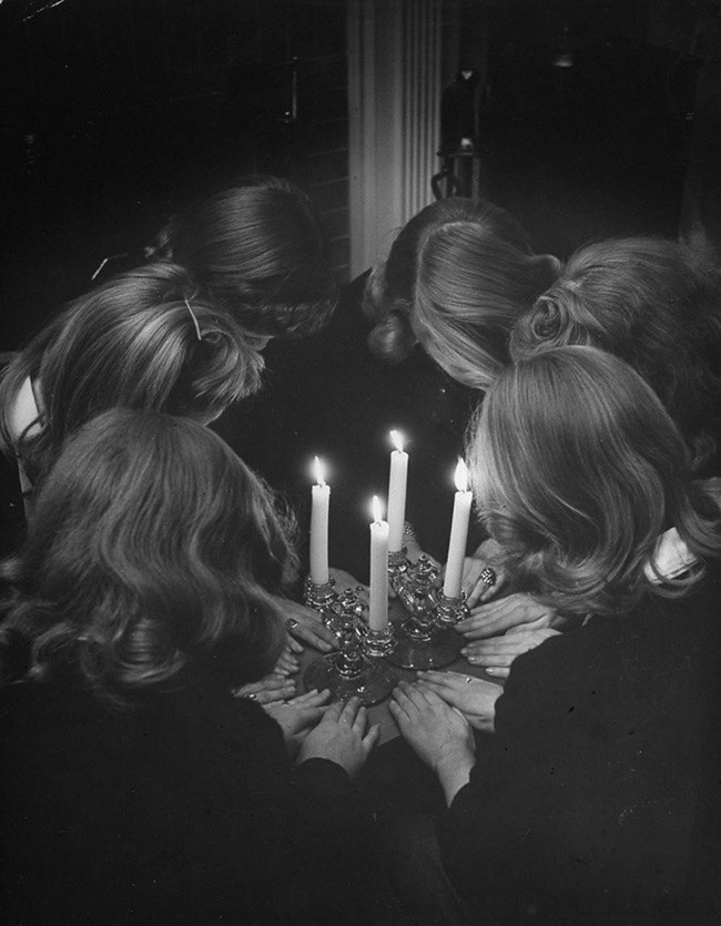 I Went To A Séance In Brooklyn...