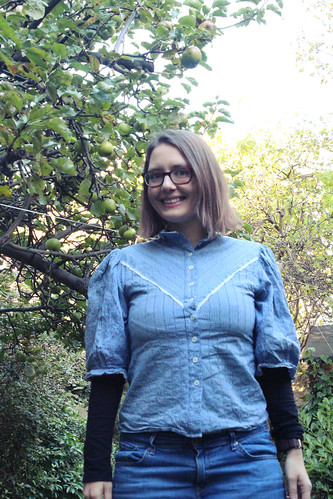 blue contemporary dirndl blouse