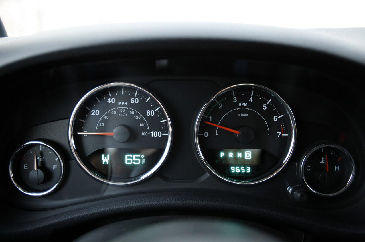 47-2012-jeep-wrangler-sport-review