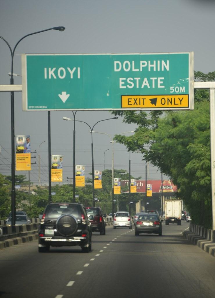 Lagos_Streetlamps_Signs