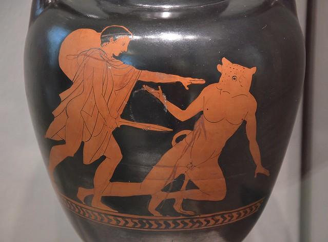 Attic red-figure amphora, Theseus stabs the Minotaur, from Nola (Italy), around 460 BC, Altes Museum Berlin