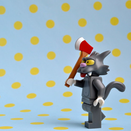 The Simpsons Minifigures: Scratchy