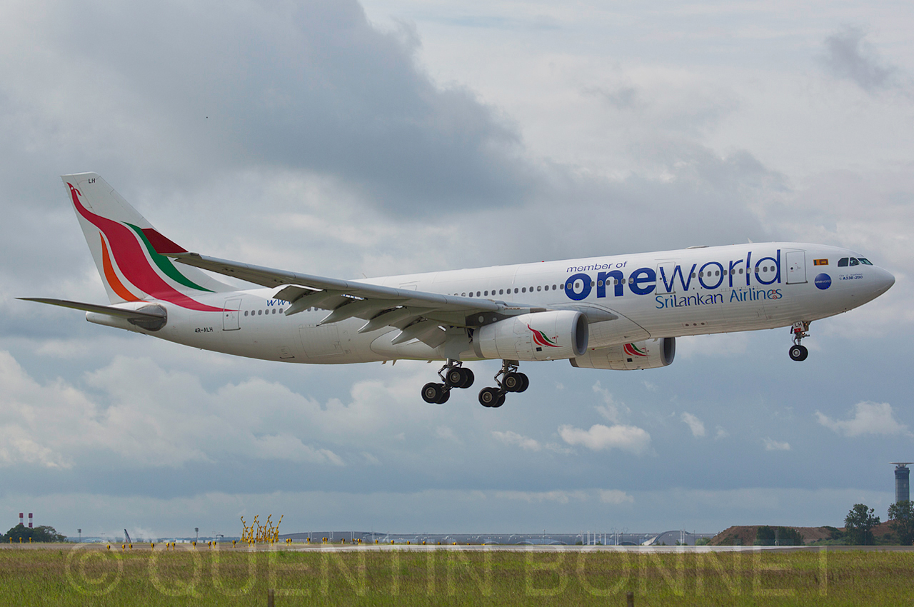 Srilankan Airlines Airbus A330-243 4R-ALH