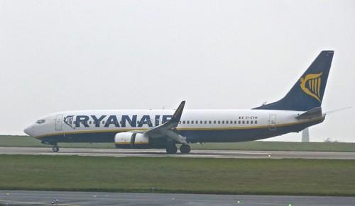 EI-EVW 'Ryanair' Boeing 737-8AS on 'Dennis Basford's railsroadsrunways.blogspot.co.uk'
