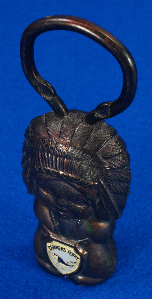 RD15029 Vintage Bottle Opener Native American Indian Bronze Figural Bonners Ferry Idaho Japan DSC06843