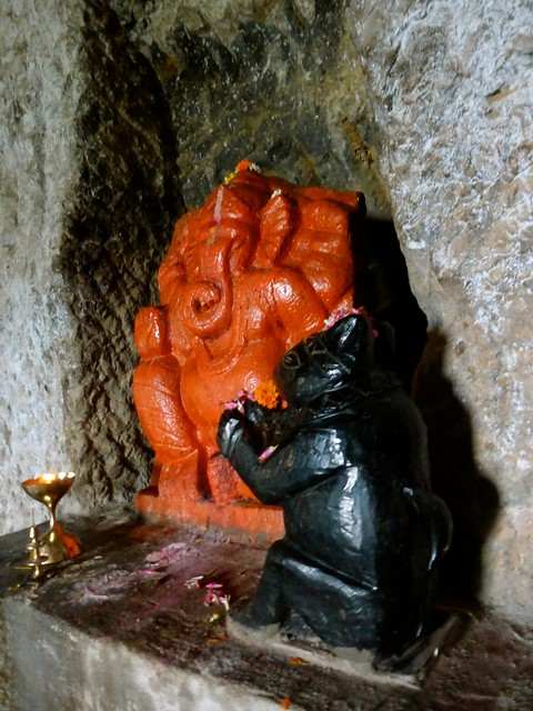 Lonad Caves - Outer chamber - Ganesh Idol